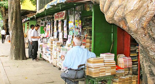 INSIDE SRI LANKA – Monthly insider's report by Royston Ellis (REDDOT – 2013/11/01)